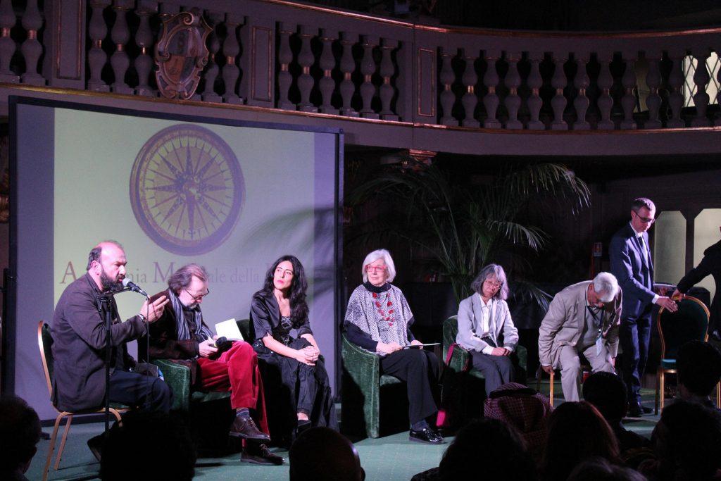 Dibattito Davide Rondoni, Paolo Lagazzi, Raquel Lanseros, Wallis Wilde Menozzi, Ikuko Sagiyama, Arnaldo Soldani, Abdul Latif Al Saadi