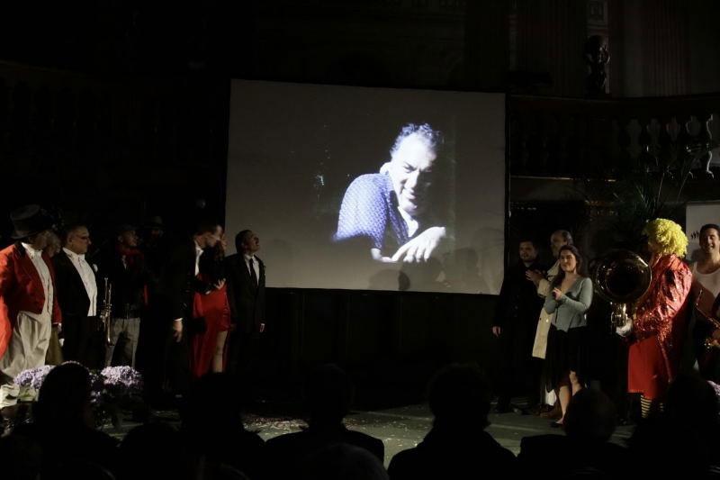 Il saluto di Fellini