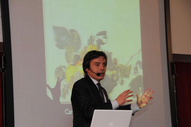 L'arte nell'incontro, Carlo Vanoni esperto d'arte